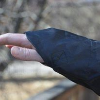 raincape-hand